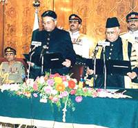 Pervez Musharraf becomes President