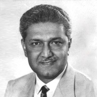 i say that my fvourite personality dr abdul qadeer khan United4justice's weblog on this day we must not forget the heroes who made it possible for us especially the scientists under dr abdul qadeer khan.